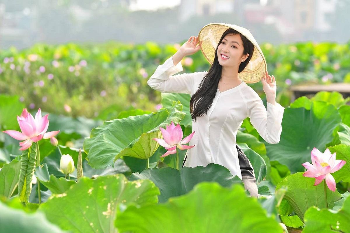 chụp ảnh sen là nét văn hóa của người Việt