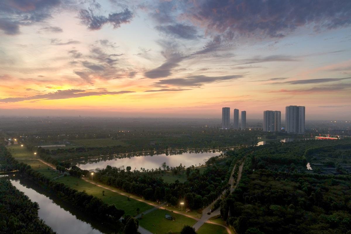 hồ thiên nga Ecopark rộng 52ha